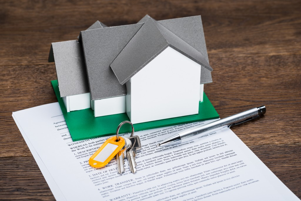 House model, keys, and contract